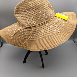 Primary Photo - BRAND:    CLOTHES MENTOR STYLE: HAT COLOR: TAN OTHER INFO: SUNHAT SKU: 115-115309-18071LIGHT STAIN ON OUTSIDE AND INSIDE OF BAND