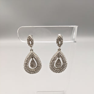 Primary Photo - BRAND:    NATASHASTYLE: EARRINGS COLOR: SILVER OTHER INFO: SKU: 115-115309-16844