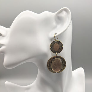 Primary Photo - BRAND:    CLOTHES MENTOR STYLE: EARRINGS COLOR: BRONZE GOLDSKU: 115-115309-19974