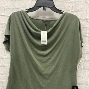 Primary Photo - BRAND: BANANA REPUBLIC STYLE: TOP SHORT SLEEVE COLOR: GREEN SIZE: XS SKU: 115-115336-3850