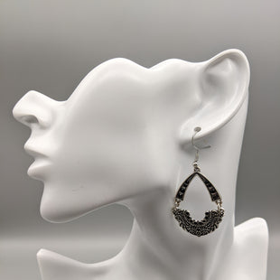 Primary Photo - BRAND: PAPARAZZI STYLE: EARRINGS SKU: 115-115314-10342