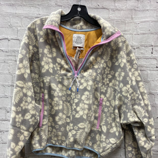 Primary Photo - BRAND: URBAN OUTFITTERS STYLE: FLEECE COLOR: FLORAL SIZE: XS OTHER INFO: NWT- GRY & WHT SKU: 115-115257-29696