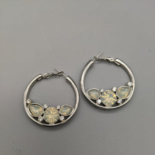 Primary Photo - BRAND:    CLOTHES MENTOR STYLE: ACCESSORY LABEL COLOR: SILVER OTHER INFO: EARRINGS - SKU: 115-115338-3716