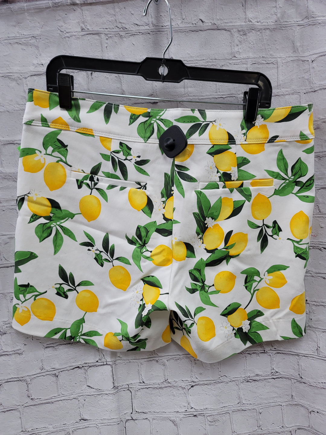 Photo #1 - BRAND: ISAAC MIZRAHI <BR>STYLE: SHORTS <BR>COLOR: WHITE <BR>SIZE: 12 <BR>OTHER INFO: LEMONS <BR>SKU: 115-115360-1406