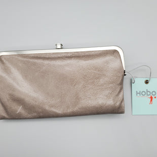 Primary Photo - BRAND: HOBO INTL STYLE: WALLET COLOR: GREY SIZE: LARGE SKU: 115-115255-55122PRISTINE