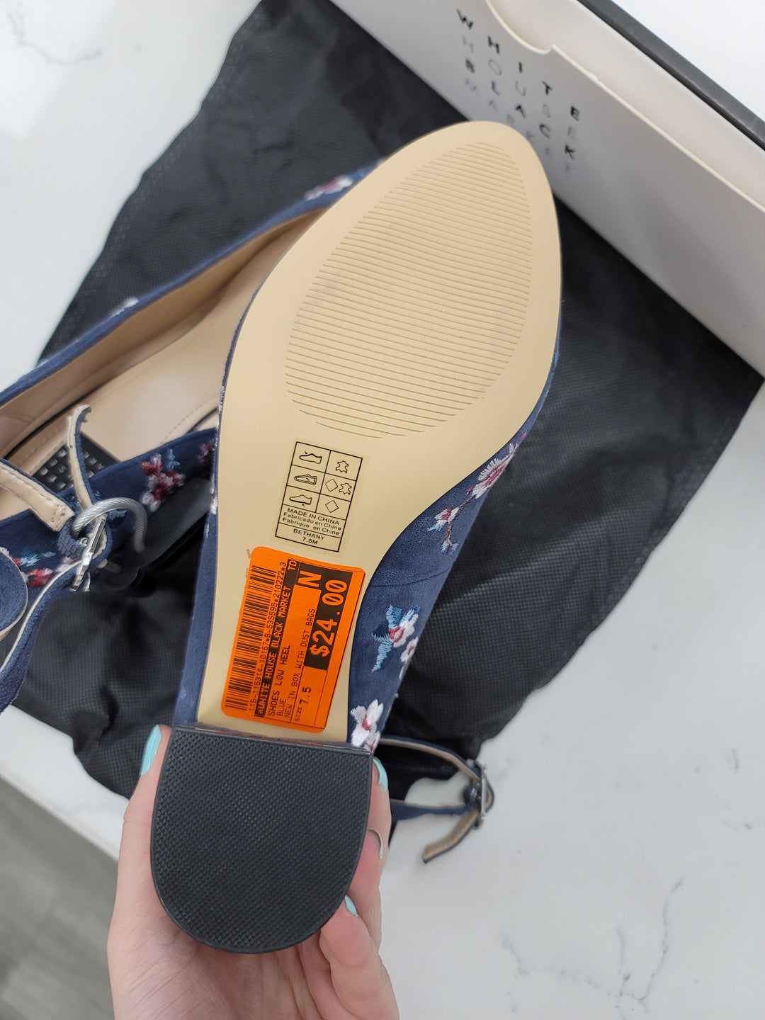 Photo #4 - BRAND: WHITE HOUSE BLACK MARKET <BR>STYLE: SHOES LOW HEEL <BR>COLOR: BLUE <BR>SIZE: 7.5 <BR>OTHER INFO: NEW IN BOX WITH DUST BAGS <BR>SKU: 115-115314-10167