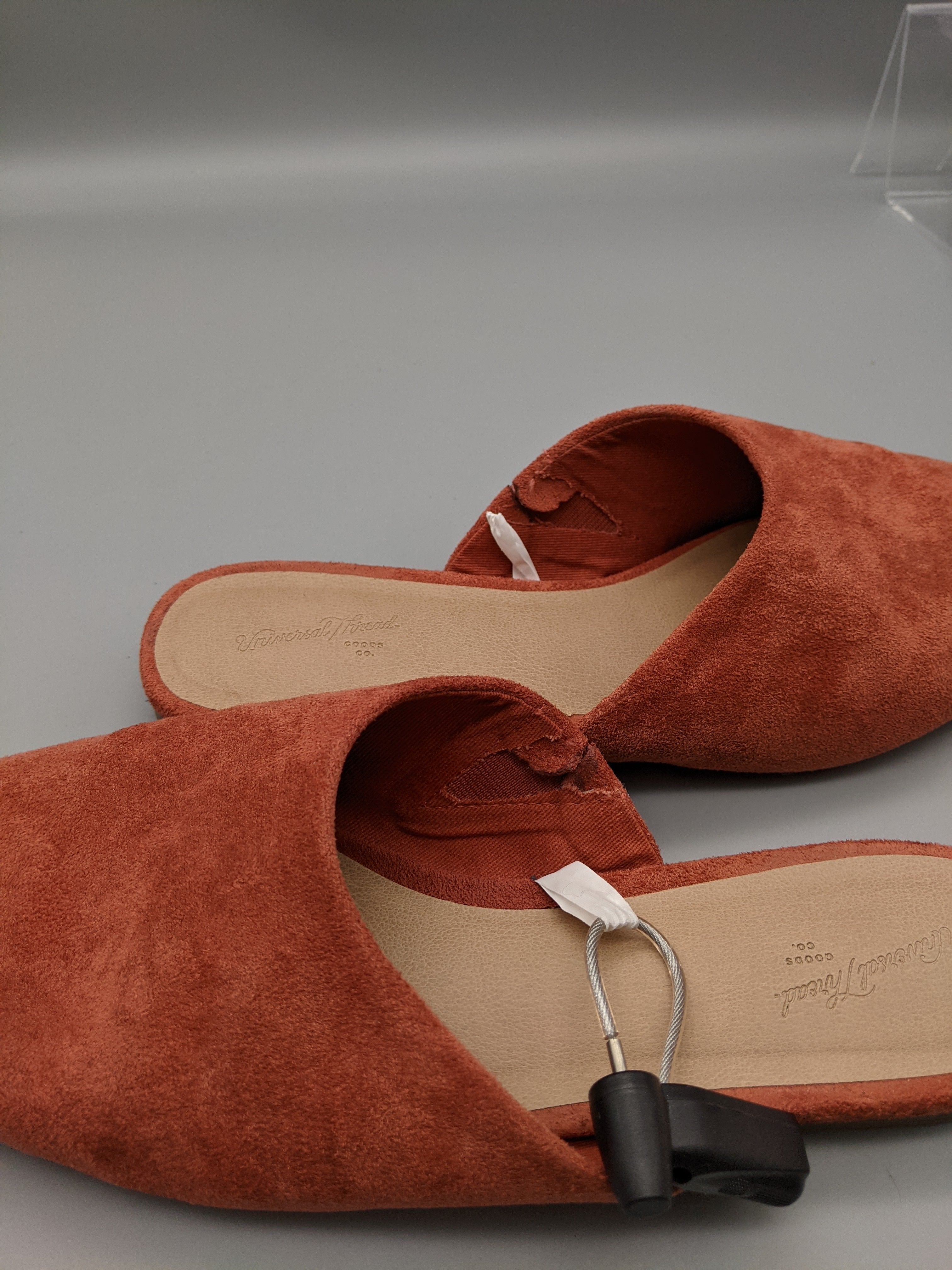 Shoes Flats By Universal Thread  Size: 9 - BRAND: UNIVERSAL THREAD <BR>STYLE: SHOES FLATS <BR>COLOR: CORAL <BR>SIZE: 9 <BR>SKU: 115-115347-1693<BR>SOME WEAR