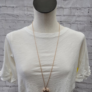 Primary Photo - BRAND:    CLOTHES MENTOR STYLE: NECKLACE COLOR: GOLD OTHER INFO: ROSE SKU: 115-115347-1867