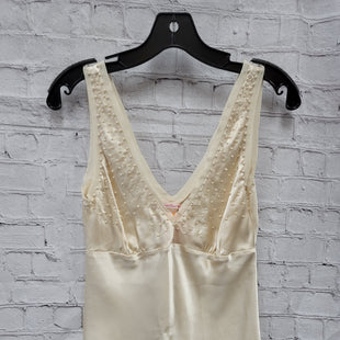 Primary Photo - BRAND:   CMC STYLE: TOP SLEEVELESS COLOR: CREAM SIZE: S OTHER INFO: GOLD HAWK - SILK PEARL SKU: 115-115314-10600