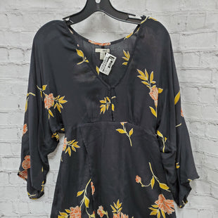 Primary Photo - BRAND:    CLOTHES MENTOR STYLE: TUNIC LONG SLEEVE COLOR: BLACK SIZE: M OTHER INFO: AMUSE - YELLOW FLOWERS SKU: 115-115336-2629