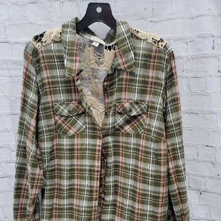 Primary Photo - BRAND: DRESSBARN STYLE: TOP LONG SLEEVE COLOR: GREEN PLAID SIZE: 2X OTHER INFO: LACE BACK SKU: 115-115347-3347