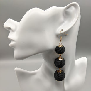 Primary Photo - BRAND:    CLOTHES MENTOR STYLE: EARRINGS COLOR: BLACK OTHER INFO: FASHION JEWELRY - 3 THREAD SPHERES SKU: 115-115260-94374