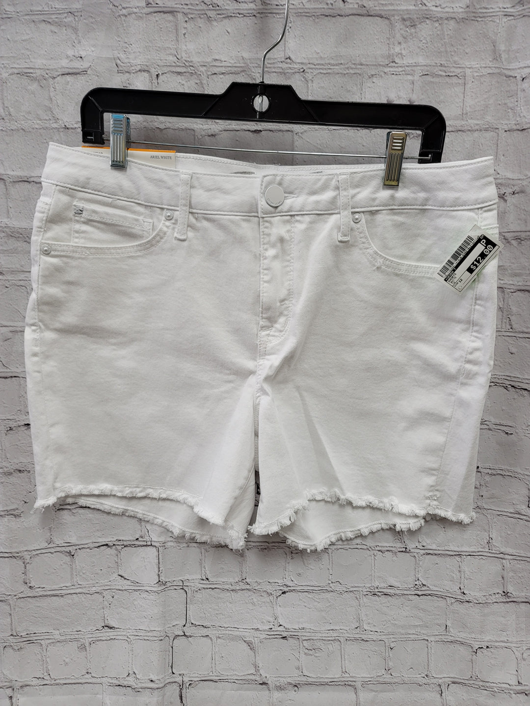Primary Photo - BRAND: SEVEN 7 <BR>STYLE: SHORTS <BR>COLOR: WHITE <BR>SIZE: 12 <BR>SKU: 115-115360-1414