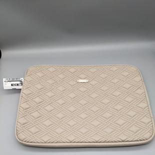 Primary Photo - BRAND: TUMI STYLE: LAPTOP CASE COLOR: TAUPE OTHER INFO: ** SKU: 115-115260-94660APPROXIMATELY 10.5 INCHES WIDE 15 INCHES LONG