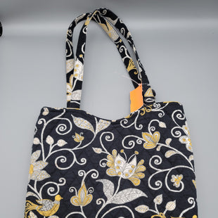 Primary Photo - BRAND: VERA BRADLEY STYLE: TOTE COLOR: BLACK WHITE SIZE: MEDIUM SKU: 115-115360-432