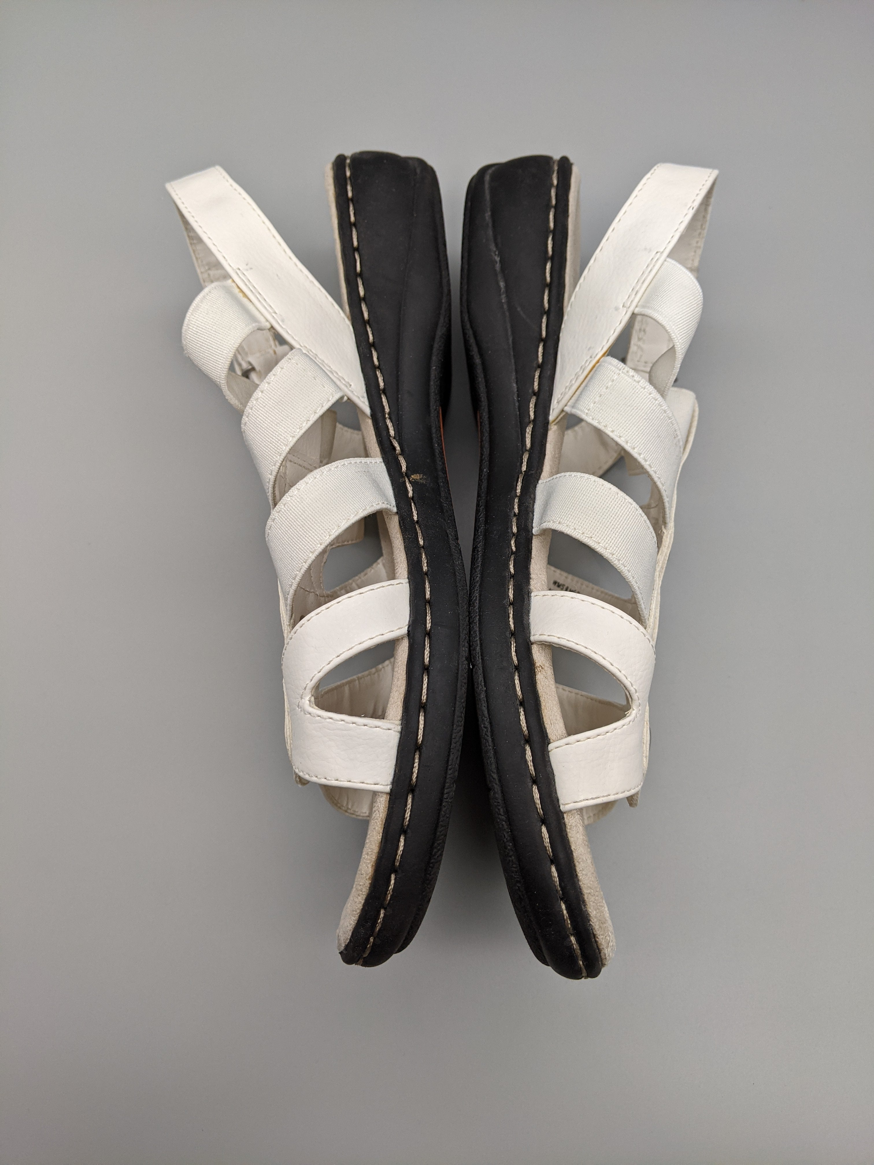 Photo #5 - BRAND: CROFT AND BARROW <BR>STYLE: SANDALS FLAT <BR>COLOR: WHITE <BR>SIZE: 9 <BR>SKU: 115-115336-4986<BR>SOME WEAR