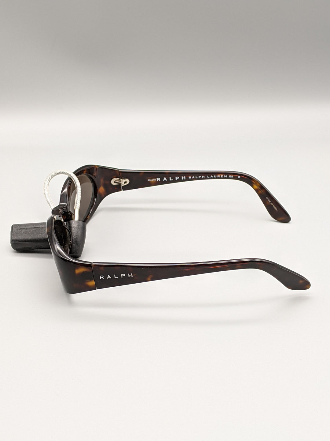 Photo #3 - BRAND: RALPH LAUREN <BR>STYLE: SUNGLASSES <BR>COLOR: BROWN <BR>SKU: 115-115347-2016<BR>MINOR SCRATCHES