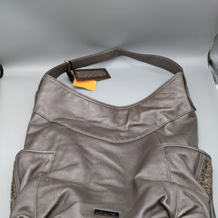 Primary Photo - BRAND:    CLOTHES MENTOR STYLE: HANDBAG COLOR: SILVER SIZE: LARGE OTHER INFO: CAMILA MUES - WTSKU: 115-115302-17946
