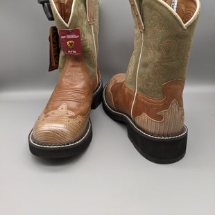 Primary Photo - BRAND: ARIAT STYLE: BOOTS ANKLE COLOR: GREEN SIZE: 9 OTHER INFO: NEW WITH TAGS SKU: 115-115302-18493