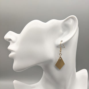 Primary Photo - BRAND:    CLOTHES MENTOR STYLE: EARRINGS COLOR: GOLD SKU: 115-115314-8936