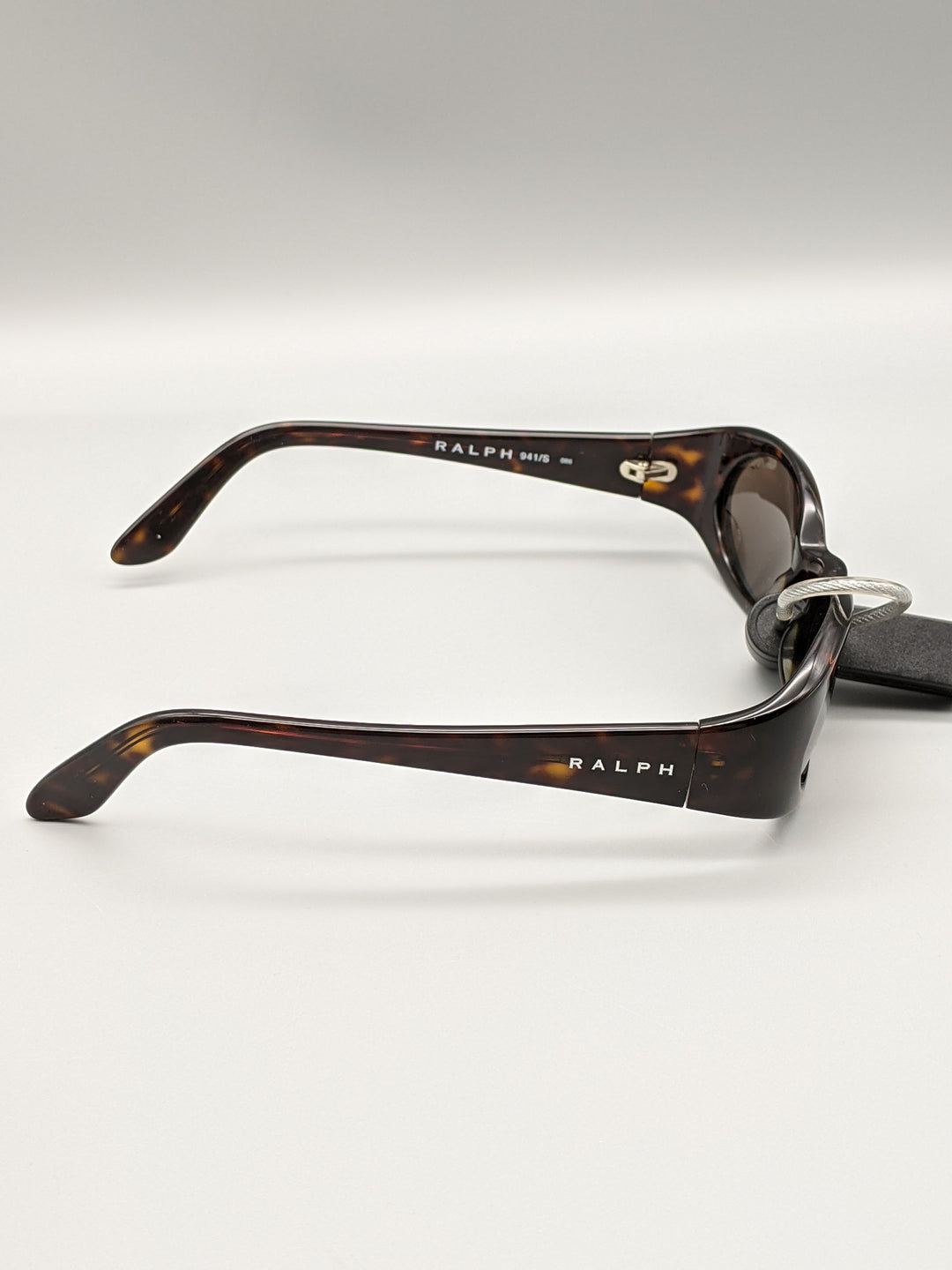 Photo #4 - BRAND: RALPH LAUREN <BR>STYLE: SUNGLASSES <BR>COLOR: BROWN <BR>SKU: 115-115347-2016<BR>MINOR SCRATCHES