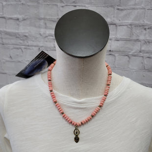 Primary Photo - BRAND:    CLOTHES MENTOR STYLE: NECKLACE COLOR: PINK SKU: 115-115336-1127