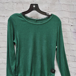 Primary Photo - BRAND: MAURICES STYLE: TOP LONG SLEEVE COLOR: EMERALD SIZE: M SKU: 115-115360-488