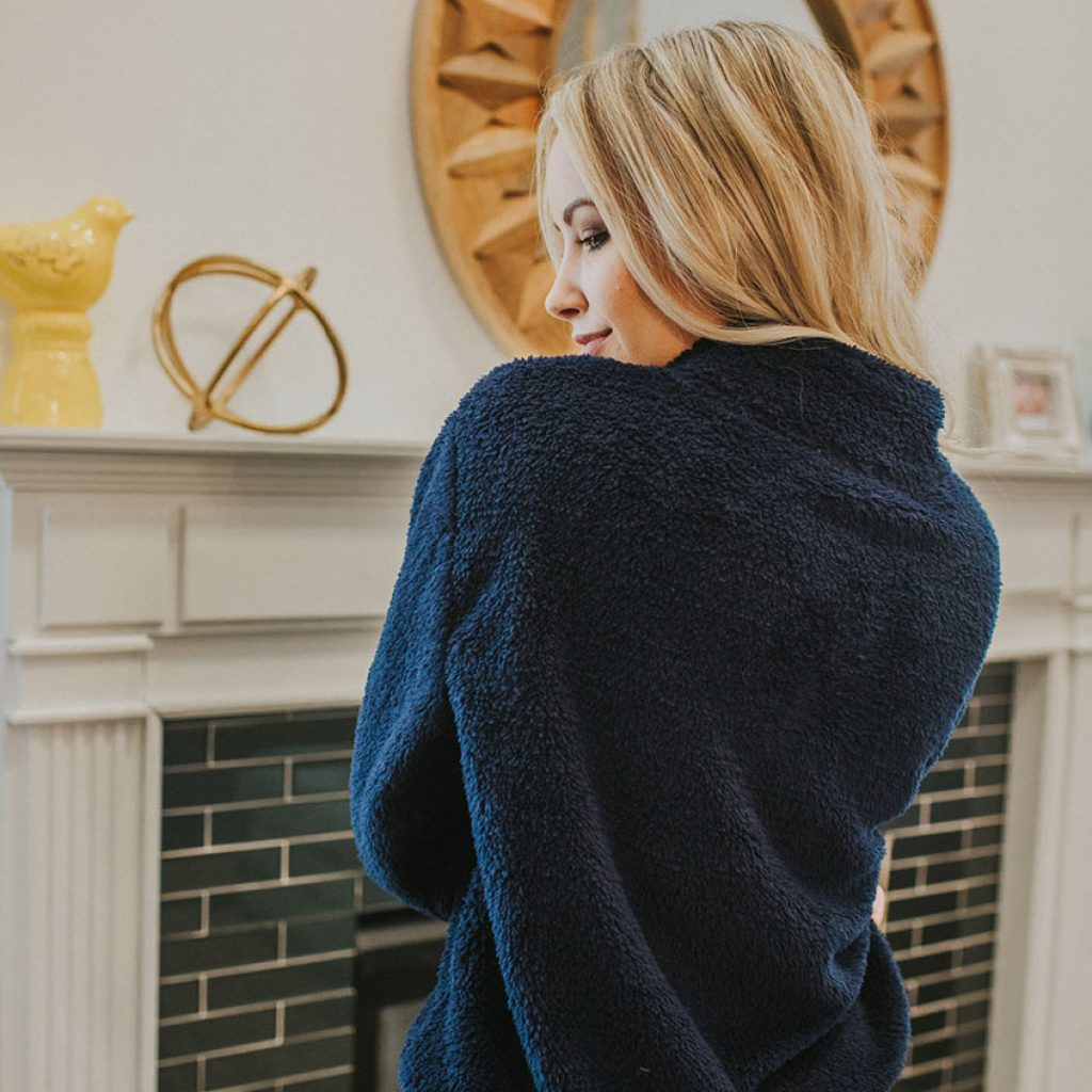 Andes Fleece Pullover in Navy