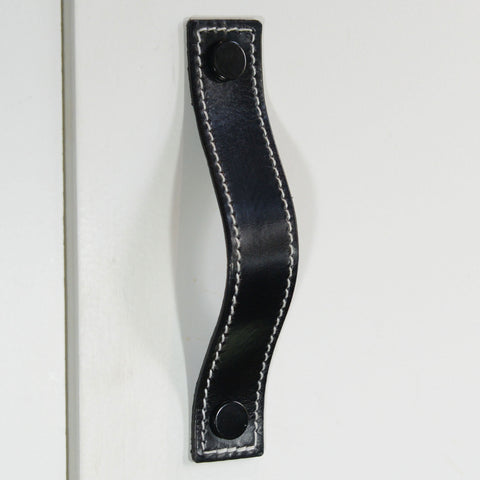 Caracu Contrast-Stitched Black Leather Door Pull with Black Fixings