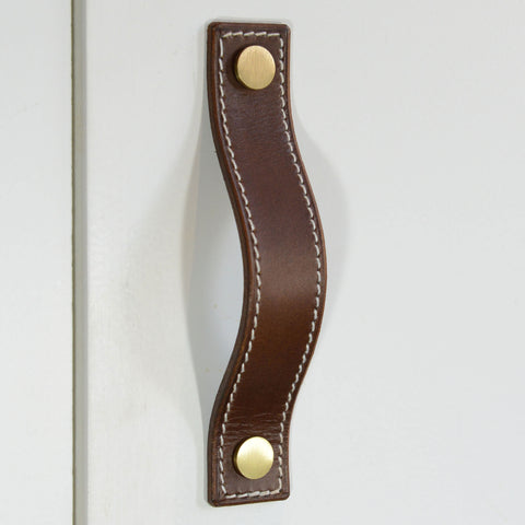 Caracu Contrast-Stitched Brown Leather Door Pull with Satin Brass Fixings