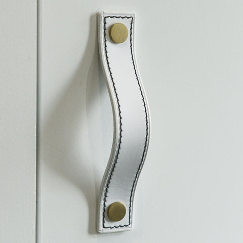 Caracu Contrast-Stitched White Leather Door Pull