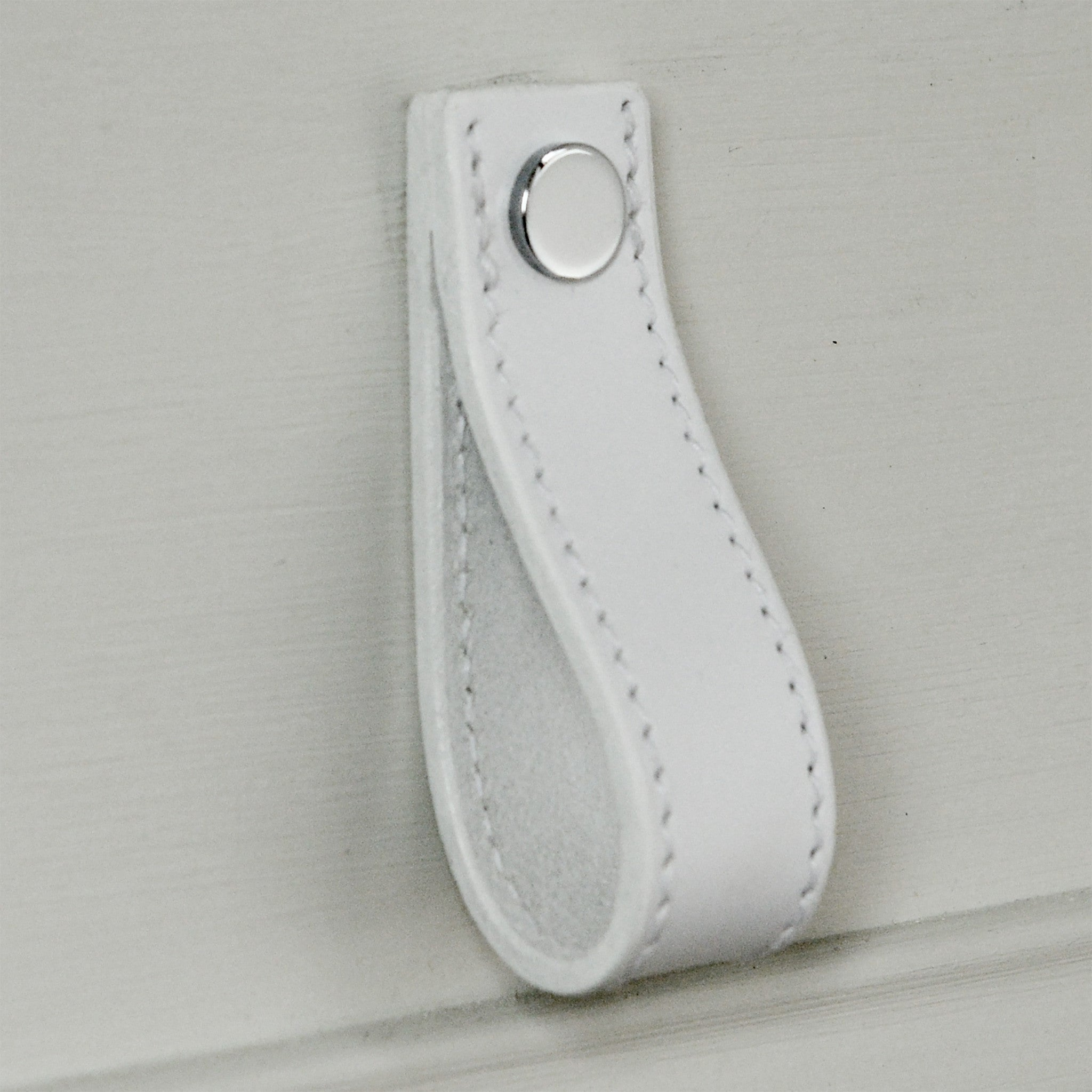 Lourdais Folded White Leather Door Pull