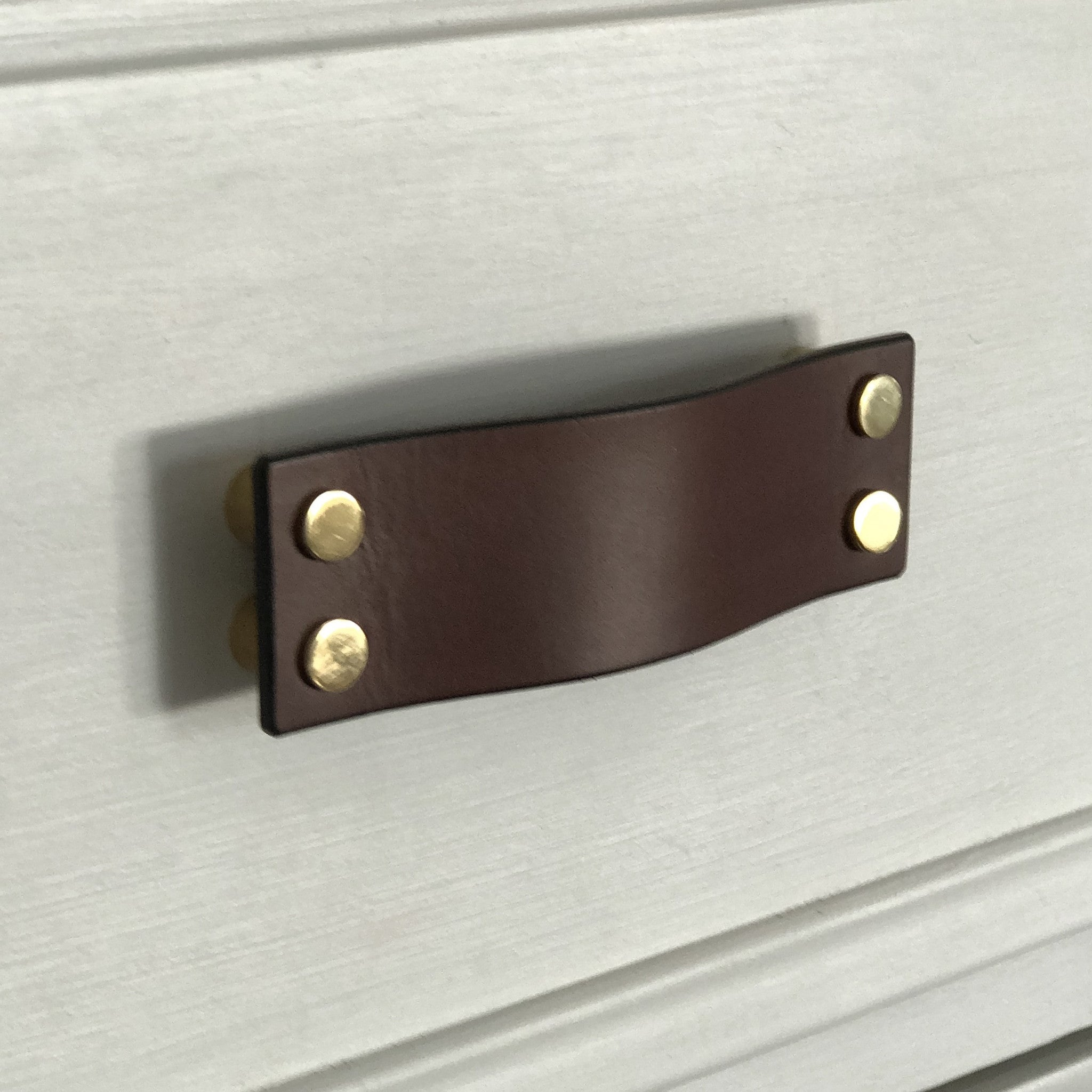 Simford Brown Leather Door Pull