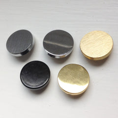 Satin Chrome, Polished Chrome, Satin Brass, Black, Polished Brass