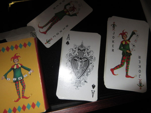 CARDS, VINTAGE UNIQUE AND FUNCTIONAL!