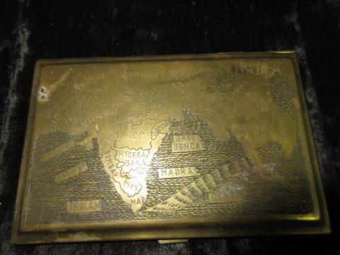 A VINTAGE EARLY C1900'S CIGARETTE CASE BRASS