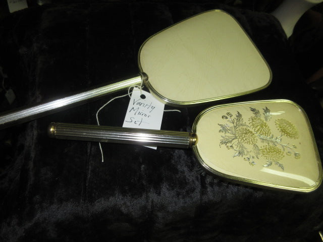 VANITY DRESSER MIRRORS & SETS GRACIOUSLY PREOWNED SHIPPING AND HANDLING INCLUDED IN PRICE NO RETURNS
