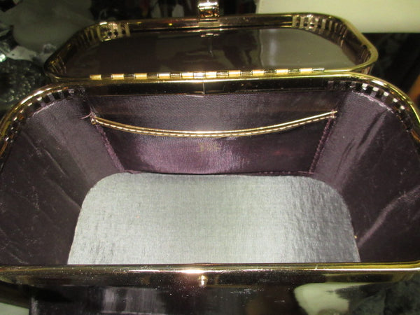PURSES/HANDBAGS FREE SHIPPING AND HANDLING NO RETURNS