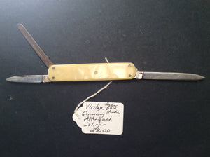 KNIVES,COLLECTORS, POCKET, PREOWNED AND NEW FREE SHIPPING AND HANDLING NO RETURNS