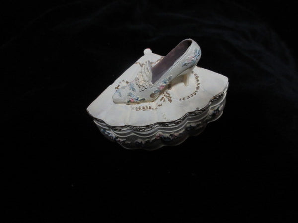 DECORATIVE PASTEL TONE BOOTIE SHOE ON FAN SHAPED TRINKET BOX