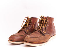 Load image into Gallery viewer, Red Wing Moc Toe Boot