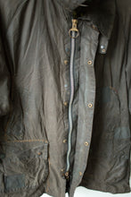 Load image into Gallery viewer, Stitched Barbour Jacket - Bedale - 44