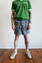 Load image into Gallery viewer, Dickies Cargo Shorts Size 31-34