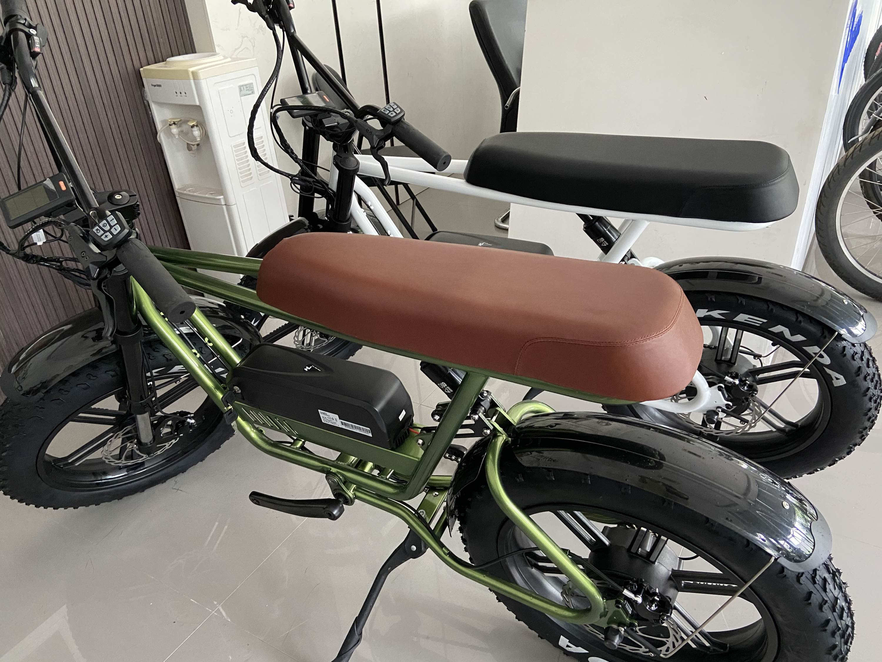 eBikey Cruiser - 500W - 20 Inch ebike fat tire electric bike
