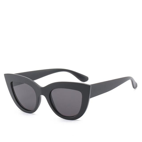 Retro Cat's Eye Sunglasses Trendy Street Shot