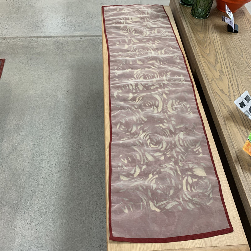 Rose design table runner