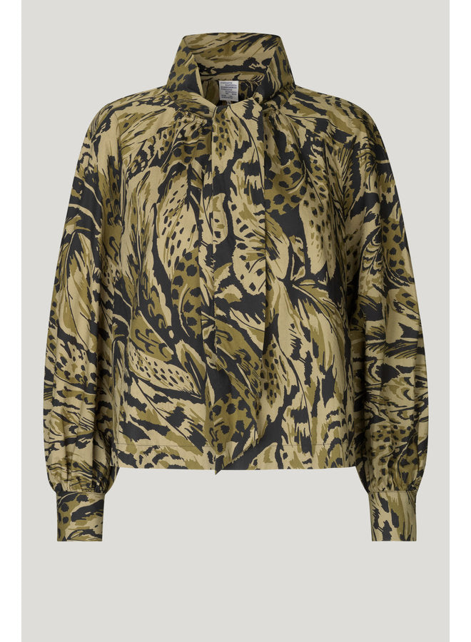 Baum und Pferdgarten - Myrah Cotton Olive Feather Print Shirt