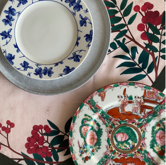 Closeup shot of Prado y Barrio AUTUMN Table linen with tableware.
