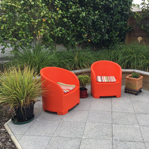 Outdoor chair in orange. Outdoor furniture in orange. Orange chairs.