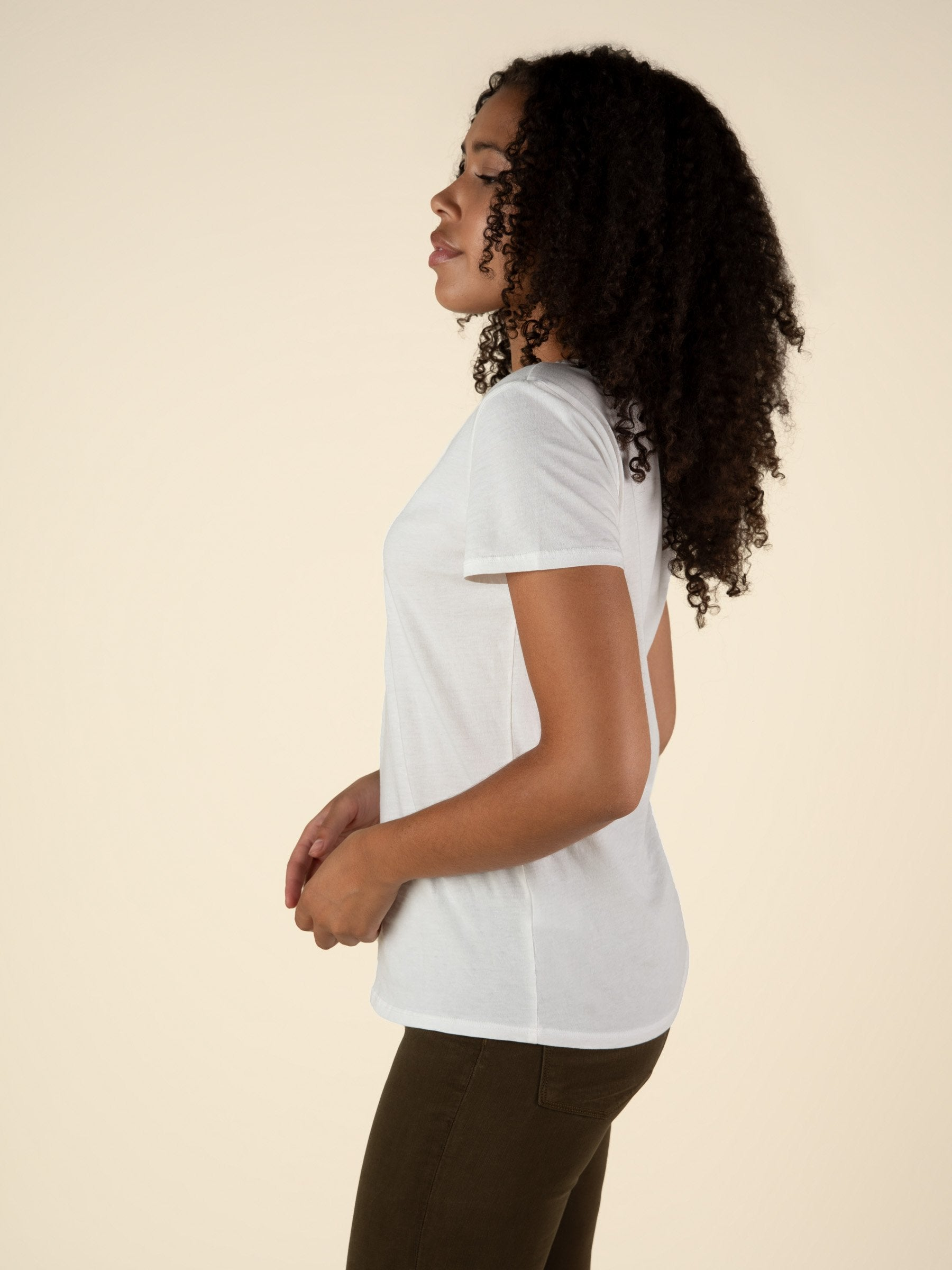 Scoop Neck Curved Hem Tee - Creamy White